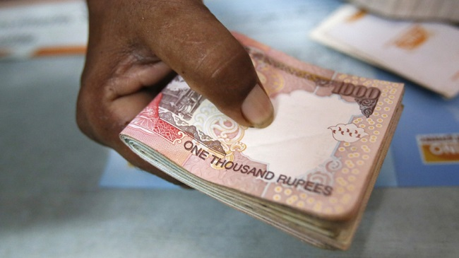 thousand-rupee-notes-2