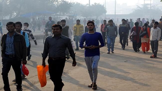 RBI Says No Notes Shortage, Outside Delhi Hundreds Face Job Losses