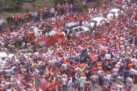 The third image showing the same scene as the second photo is also from the 2014 rally in Varanasi. Taken at the same rally as the second photo, the picture is clicked from a different angle.