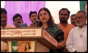 The image is a screenshot from the video of Maneka Gandhi speaking to Muslim voters at Sultanpur in Uttar Pradesh.