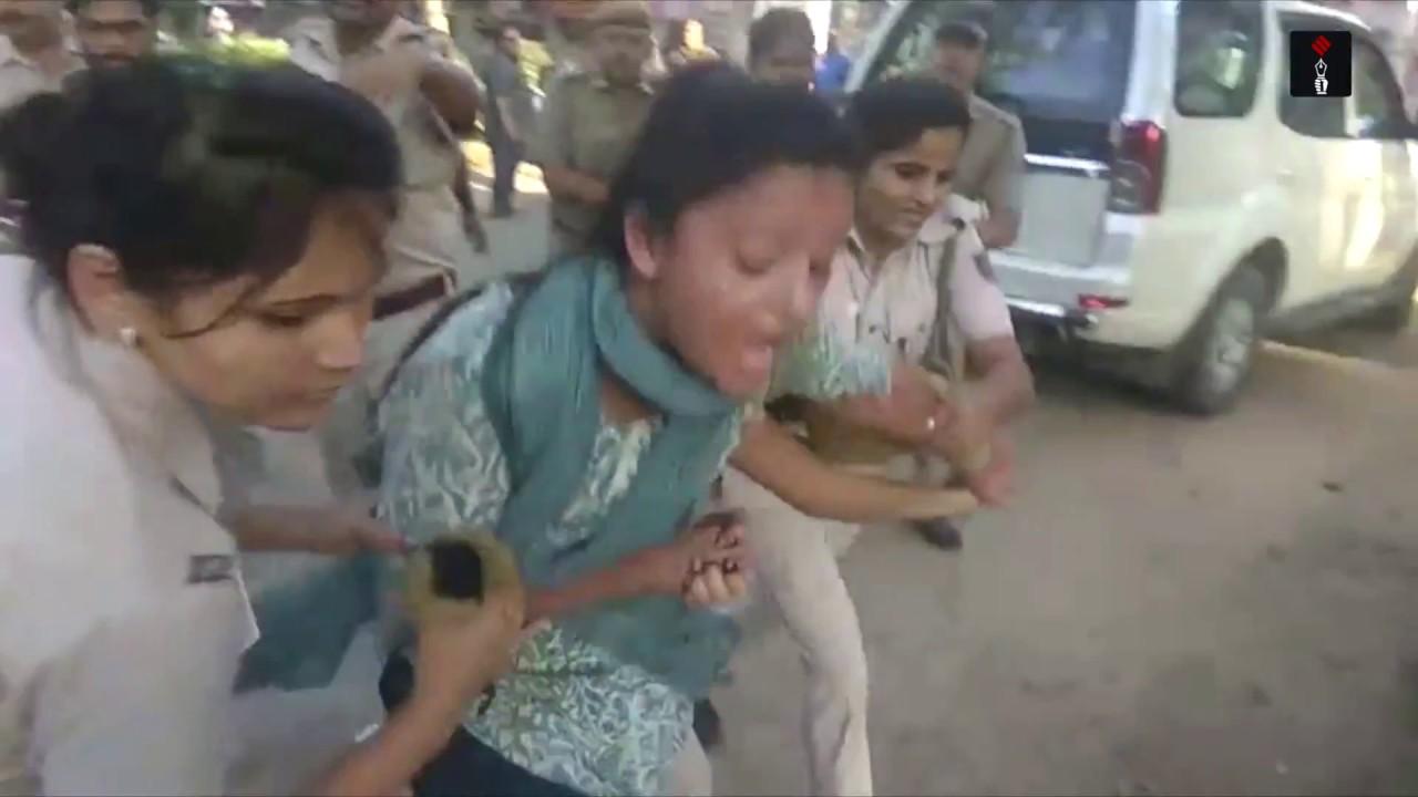 Dehli-Police-arrested-Kashmiri-leader-and-Former-JNU-president-Shehla-Rashid